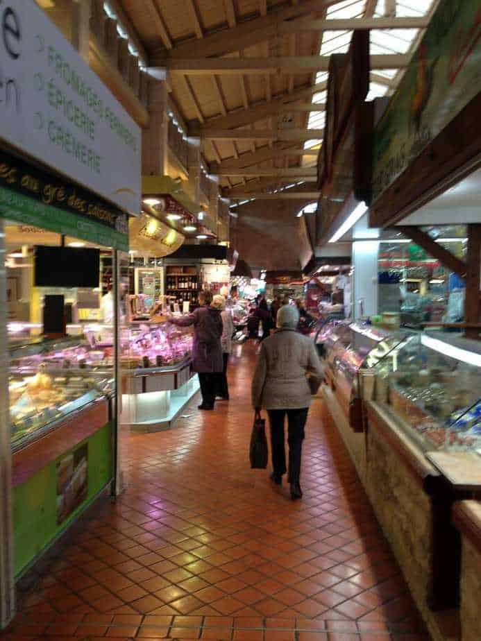 Photo of the market in La Rochelle.